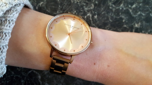 olivia-burton-rose-gold-scalloped-edge-design-bracelet-watch-3