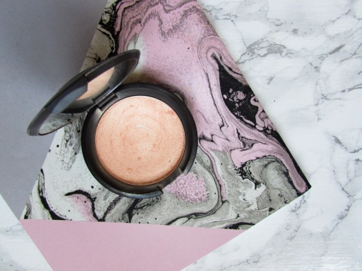 becca cosmetics shimmering skin perfector pressed highlighter champagne pop review